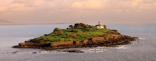 Cruise to Khanderi Island from Mumbai