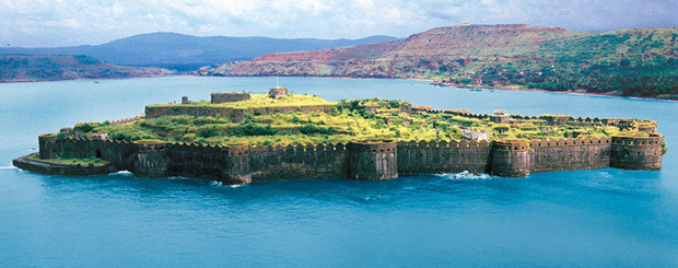 Cruise to Murud Janjira Fort from Mumbai