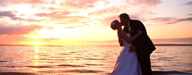 Pre-Wedding Yacht Photo Shoot in Mumbai