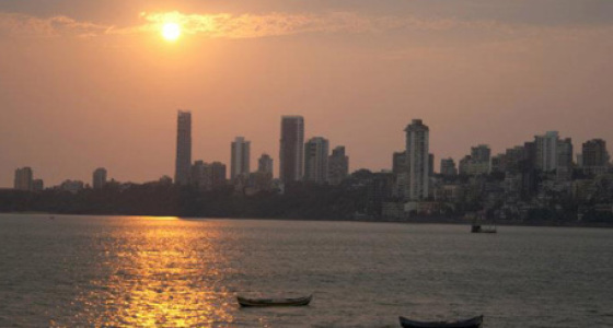 Sunset Cruise on a Yacht in Mumbai