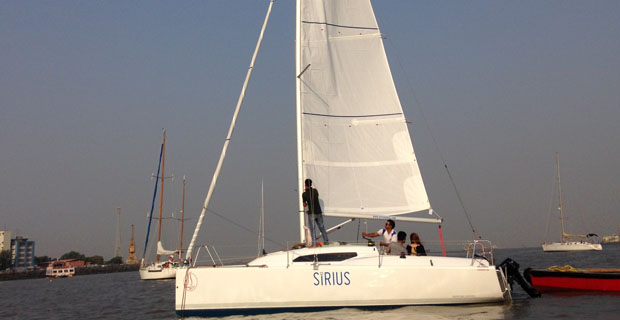 Fareast 26 Yacht in Charter Mumbai