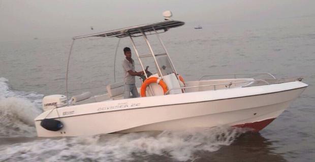 Mahindra Odyssea 22 Speedboat on Hire in Mumbai