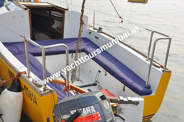 Cabin Sailboat JJ Mumbai Seating