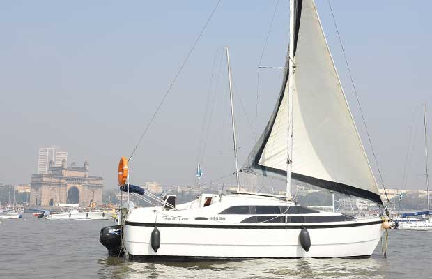 Macgregor 26 Yacht on Charter in Mumbai
