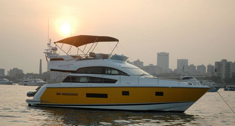 Fairline 42 Yacht Charter
